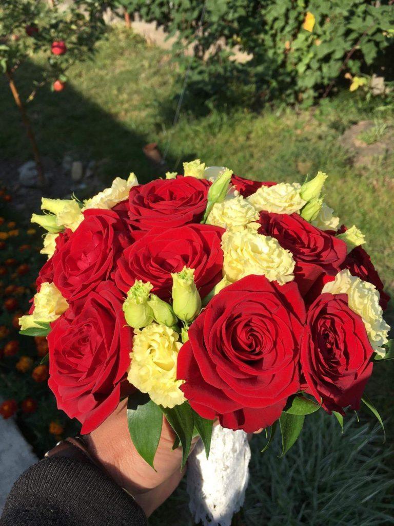 Aranjament floral Falticeni